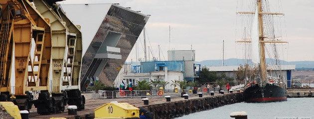 """""""Пристанище Бургас"""" ЕАД през 2015 година."""